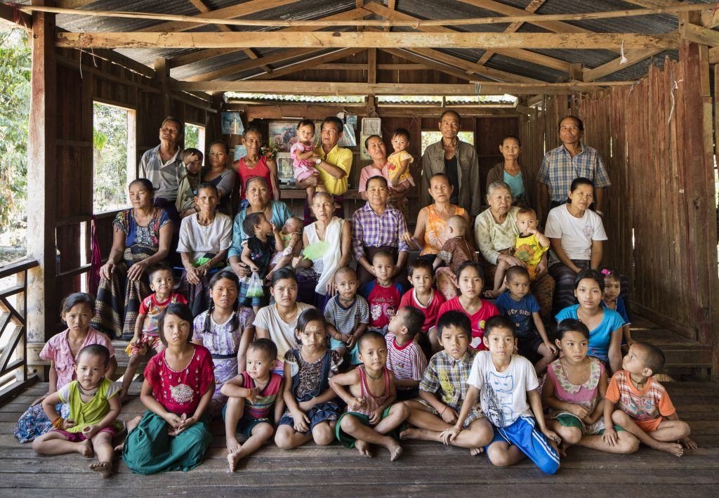 residents of Anan Pin Kone village in Myanmar (c) David Levene / The Guardian